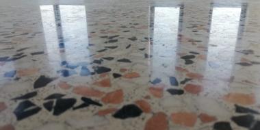 Grīda privātmājā - Terrazzo efekts